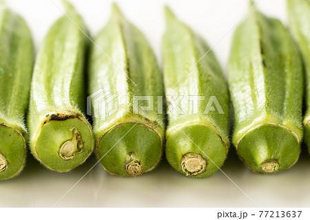 夏野菜「オクラ」のアップ。 77213637