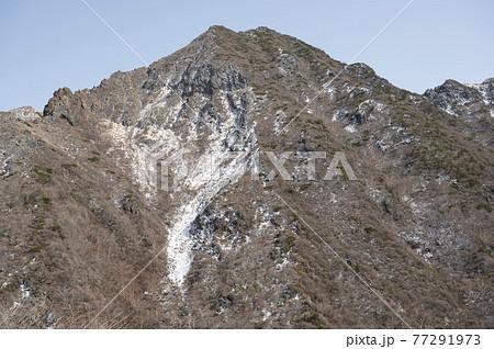 栃木県那須登山道から見える朝日岳 77291973
