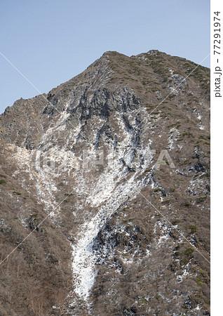栃木県那須登山道から見える朝日岳 77291974