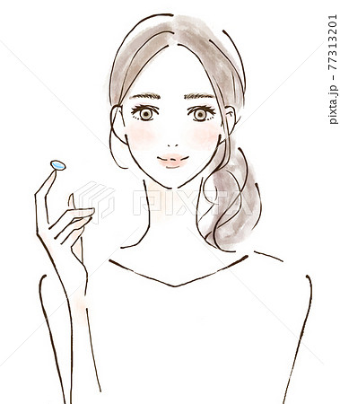コンタクトレンズを使う若い女性 笑顔の人物イラスト 眼科 77313201