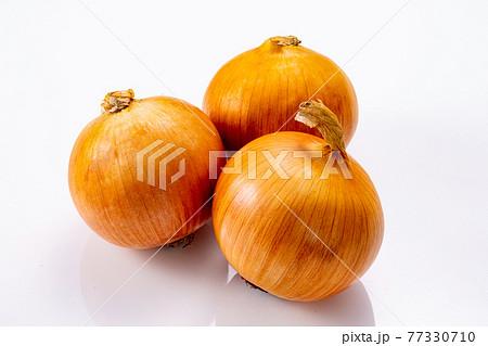 玉ねぎの素材 77330710