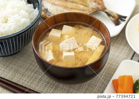 味噌汁 77394721