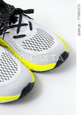 靴、シューズ、ランニングシューズ、ランニング、ジョギング、スポーツ、トレーニング、ウォーキング 77403371