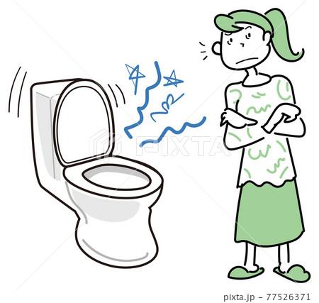 トイレから聞こえる異音が気になる女性 77526371