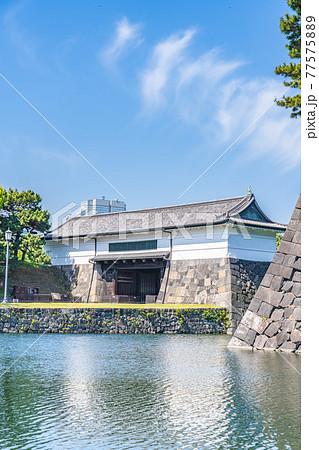 東京の都市風景 皇居外苑 旧江戸城外桜田門 77575889