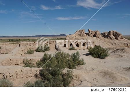 トプラク・カラ遺跡 77600252
