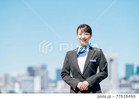 ビジネス 女性 制服 77616499