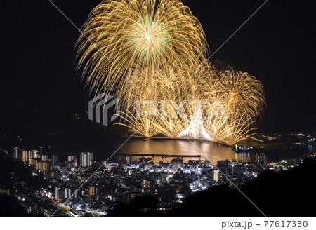 【静岡県】熱海の花火。熱海海上花火大会。 77617330