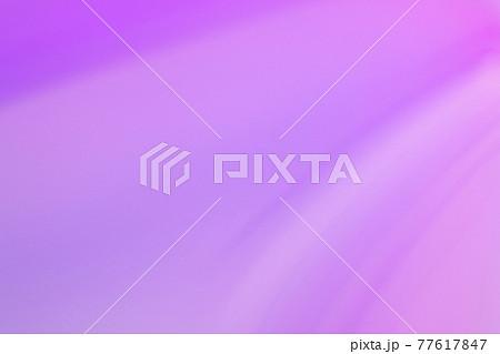 青紫色系抽象的背景 ゆるやかな流れ・ライン 77617847