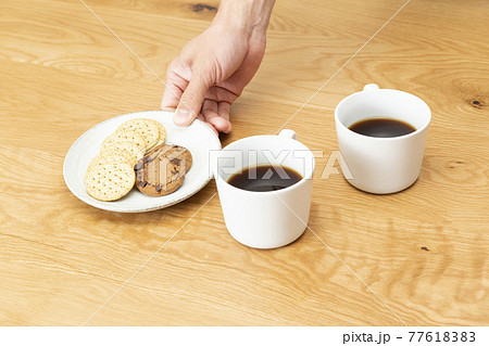 コーヒーとクッキー 77618383