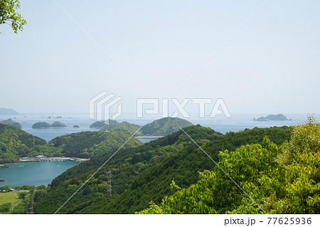 始神峠(熊野古道伊勢路)からの赤野島・鈴島を望む 77625936