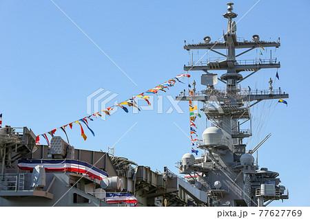 万国旗をかかけた空母の船橋(横須賀市・神奈川) 77627769
