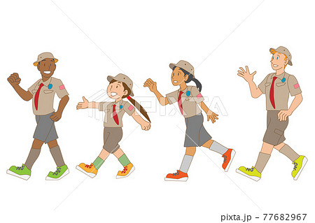 ボーイスカウトに参加する多国籍の子供たち 77682967