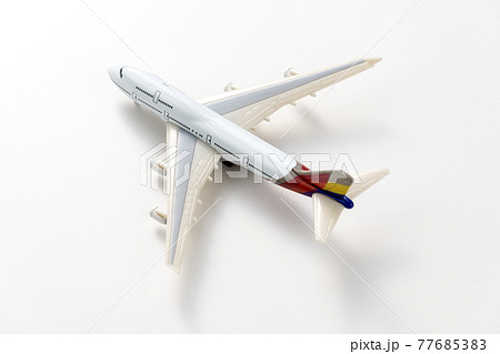 飛行機のおもちゃ 77685383
