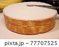 誕生日ケーキ作り 77707525