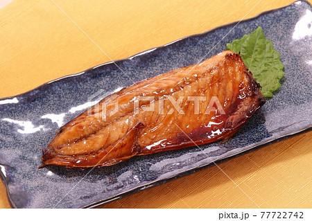 サバの照り焼き 焼き魚 魚料理 77722742