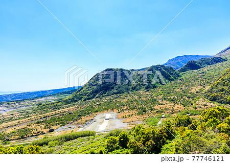 島原まゆやまロードから平成新山溶岩ドームの眺め 【長崎県島原市】 77746121