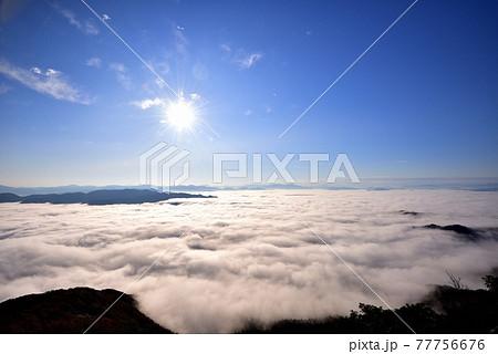 来日岳からの豊岡盆地の雲海 77756676