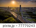 豊田市アローズブリッジの夕景 77770243
