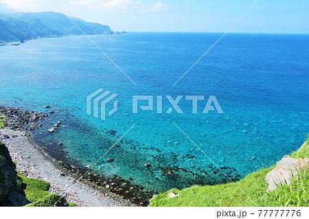 北海道 青空と青い海の神威岬 77777776