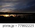 夕日のゴールデンゲートブリッジ 77802225
