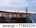 夕日のゴールデンゲートブリッジ 77802226
