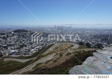 高台から見たサンフランシスコ 77803037