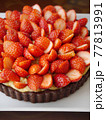 苺のカスタードココアタルト(アップ) 77813991