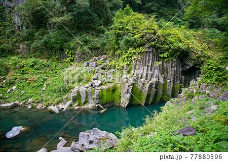 宮崎県 柱状節理の渓谷 高千穂峡 77880396