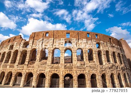 古代のスタジアム コロッセオ 77927055
