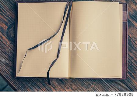 一冊のノートブック 77929909