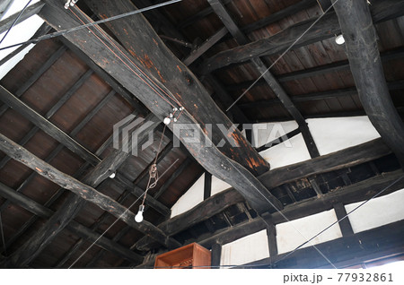 呉市大崎下島御手洗 広島県史跡若胡子屋跡の天井の梁 77932861