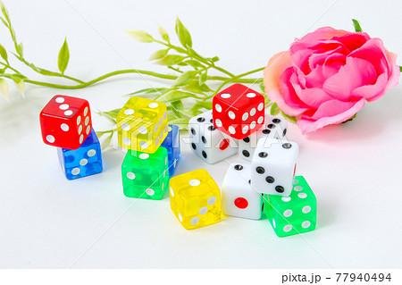 サイコロ,四角,四角形,ダイス、キューブ、ゲーム,娯楽,数字,賭博,ギャンブル,カジノ,さいころ 77940494