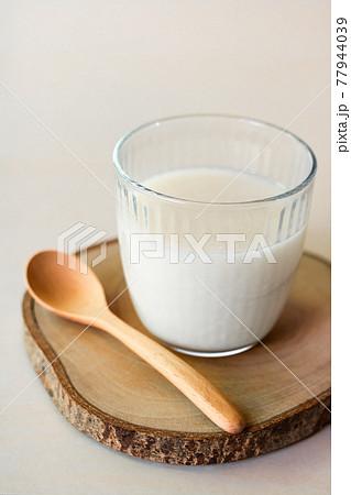 米糀だけで作った昔ながらの甘酒 77944039