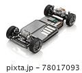 白バックに2モータの4輪駆動電気自動車用のプラットフォーム構造のカットイメージ 78017093