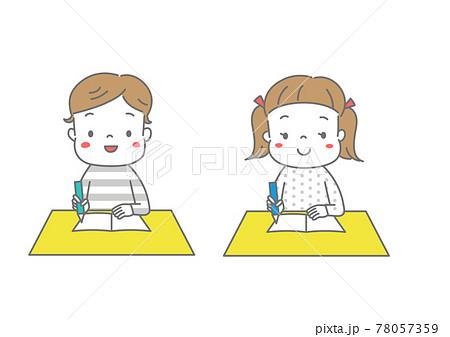 笑顔で楽しそうに勉強する男の子と女の子 78057359