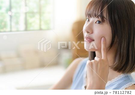 美しい女性 78112782