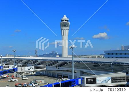 【愛知県】快晴下の中部国際空港(セントレア) 78140559