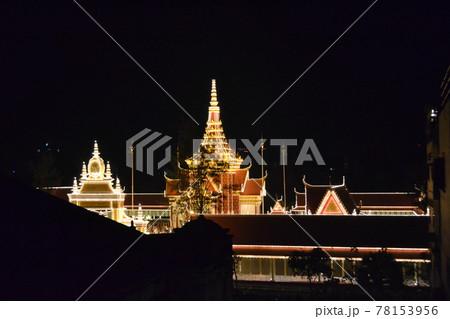 FCCから見たカンボジア王宮ライトアップ 78153956