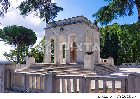 ジャニコロの丘に建つガリバルディ軍の霊廟(Mausoleo Ossario Garibaldino) 78161927