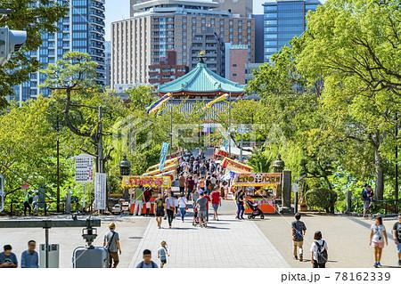 【東京都】屋台で賑わう上野恩賜公園の不忍池弁天堂 78162339