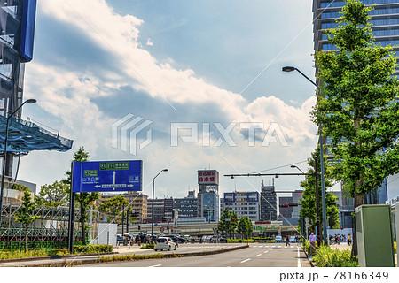 横浜みなとみらいの都市風景 いちょう通り 78166349
