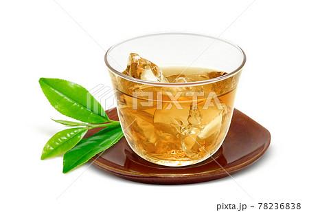 グラス 麦茶 飲み物 イラスト リアル  茶托 茶葉あり 氷 78236838