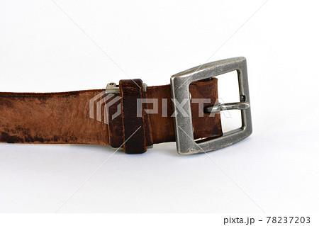 古い革のベルト 78237203