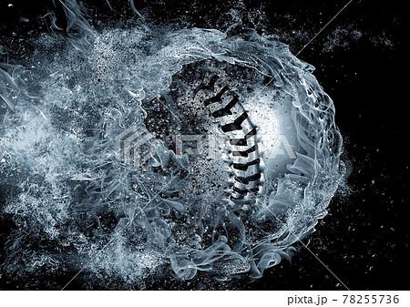 しぶきを上げる抽象的な野球ボール 78255736