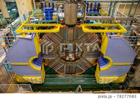 研究所の巨大な実験設備(つくば市・茨城) 78277083