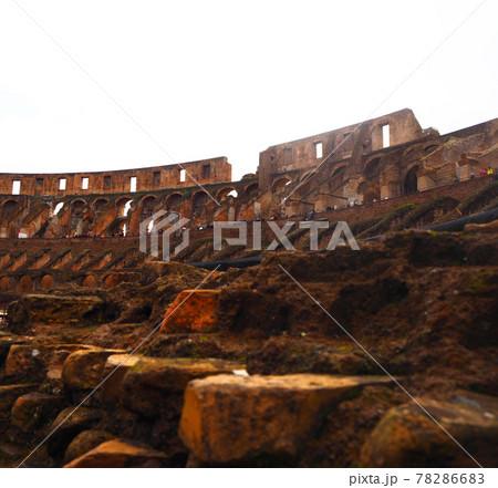 【世界遺産】イタリア ローマのコロッセオ内部 78286683