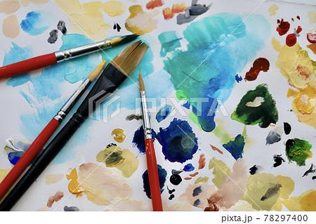 絵筆と落書き 78297400