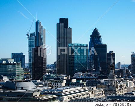 ロンドンの高層ビル群 78359508