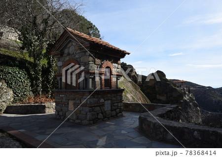 欧州ギリシャのカランバカにある世界遺産メテオラのメガロ・メテオロン修道院 78368414